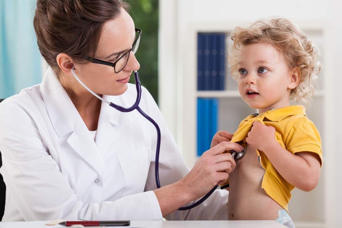 การรักษาและการดูแลโรคหลอดลมอักเสบในเด็ก