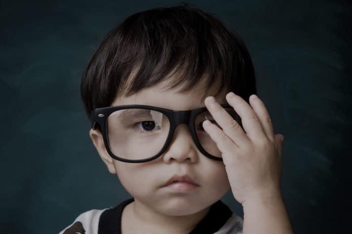 สัญญาณเตือนของปัญหาการมองเห็นในเด็ก