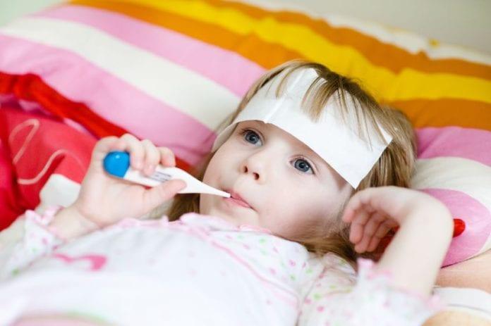 5 วิธีลดไข้เด็ก โดยไม่ใช้ยา