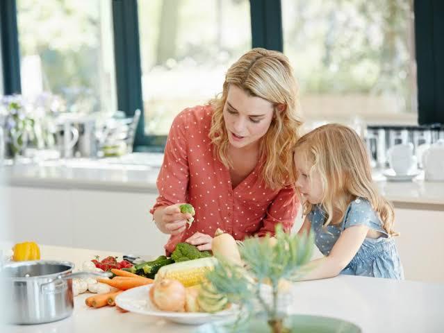 7 เหตุผล ทำไมต้องทำอาหารให้ลูกทาน