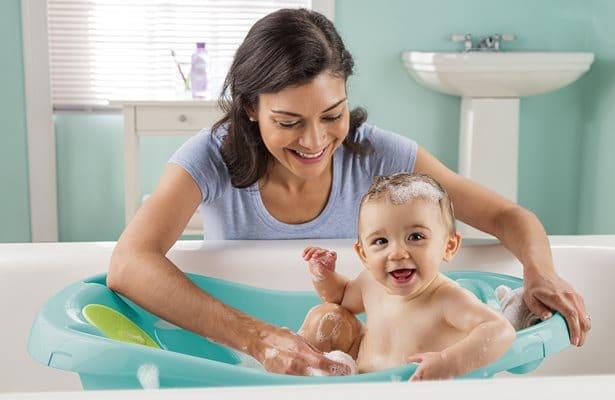 ทำความสะอาดส่วนต่าง ๆ ของเด็กแรกเกิด ทำอย่างไร