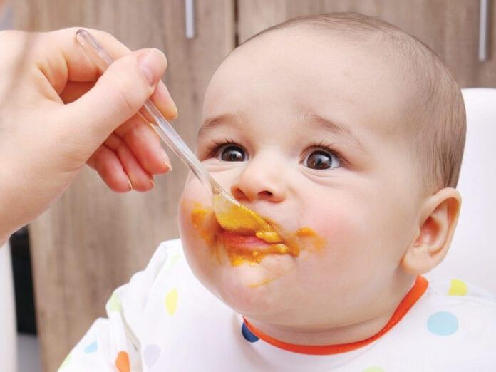 อาหารมื้อแรกของลูก